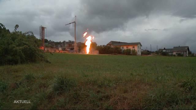 Flammensäulen in Kölliken wegen Erdsondenbohrung