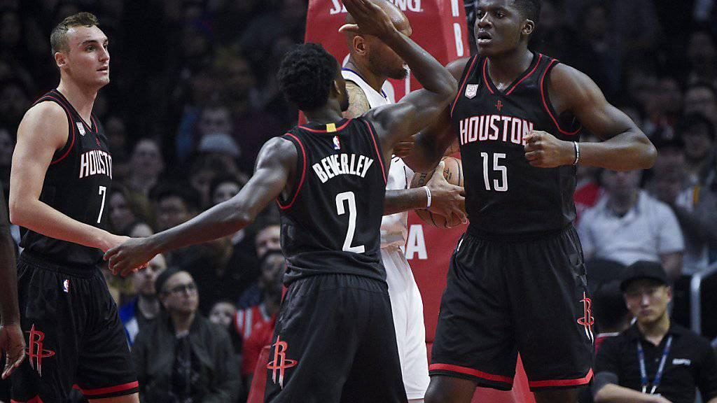 Der Genfer Center Clint Capela kommt in der NBA immer besser in Fahrt