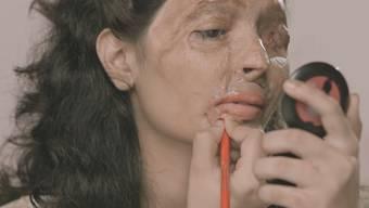 Reshmas Beauty-Tipps: Wie man schöne rote Lippen bekommt und weshalb es ein Säure-Verkaufsverbot braucht.