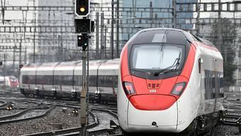 Stadler Rail könnte einen grösseren Auftrag aus Berlin erhalten. Im Bild: Stadler Gotthardzug Giruno. (Archivbild)