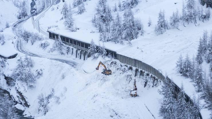 Lawinengefahr zu gross: Bahnverkehr nach Zermatt nach wie..
