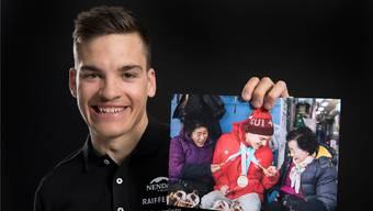 Auch in Korea, wo er 2018 drei Mal Paralympics-Gold gewinnt, erobert Behindertensportler Théo Gmür die Herzen im Sturm.