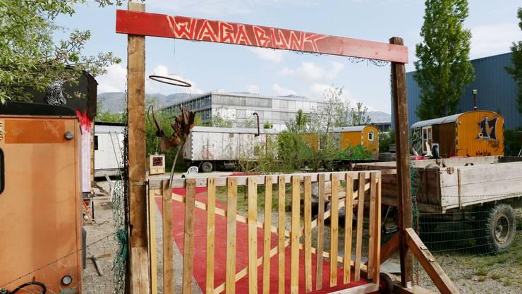Eingang zum Wagendorf der «Wagabunten»