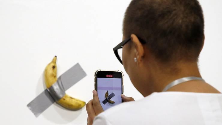 Auf der ArtBasel Miami hat ein Mann ein Kunstobjekt - eine Banane - einfach aufgegessen. (Archivbild)