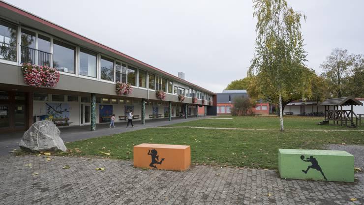 Die SP Windisch unterstützt das Medien- und Informatikkonzept der Schule. (im Bild: Die Schulanlage Dohlenzelg.)