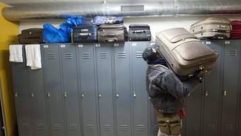 Asylsuchende sollen im Bundeszentrum mit anpacken. (Symbolbild)