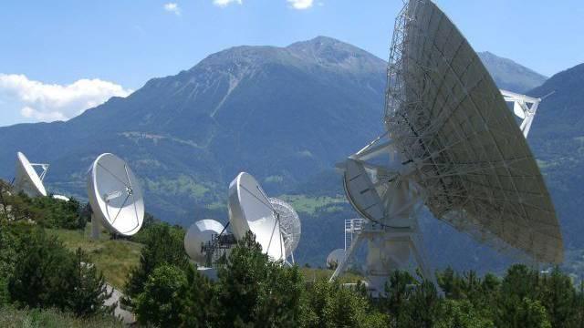 Horcht auch im Auftrag der NSA: Die Schweizer Satellitenabhöranlage Onyx in Leuk VS. Foto: Hans Grob