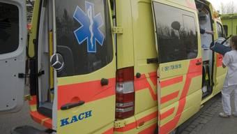Für Patienten ab 180 Kilogramm Körpergewicht gibt es in Australien spezielle Ambulanzen, allerdings laut den Sanitätern viel zu wenige (Symbolbild)