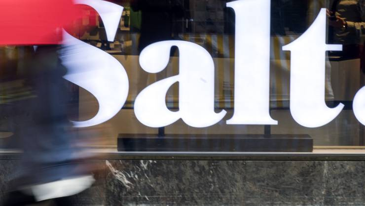 Der Telekommanbieter Salt hat in den ersten neuen Monaten mehr Umsatz verloren als Konkurrenten wie Sunrise . (Archiv)