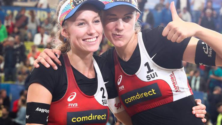 Zuversichtlich, dass die Turnierpause eine Chance bietet: Nina Betschart (li.) und Tanja Hüberli