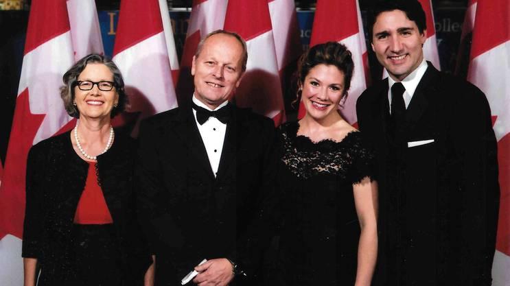 Schon mehrmals traf Beat Nobs den kanadischen Premierminister Justin Trudeau. Hier bei einem Empfang im Parlament in Ottawa in Begleitung von Irene Nobs (l.) und Sophie Grégoire Trudeau.