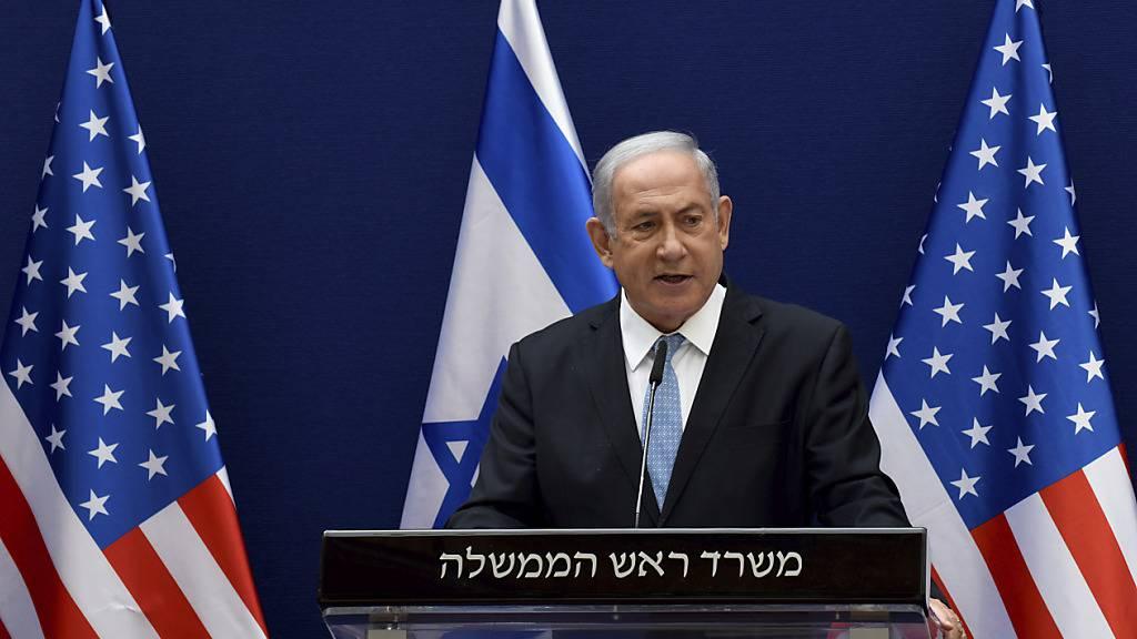 Benjamin Netanjahu, Ministerpräsident von Israel, nimmt gemeinsam mit Kushner, dem Berater von US-Präsident Trump an einer Pressekonferenz teil. Foto: Debbi Hill/Pool UPI/AP/dpa