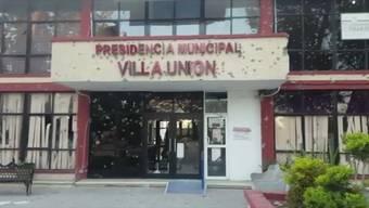 In der Stadt Villa Unión sind bei einer Schiesserei zwischen Polizisten und mutmasslichen Drogenhändlern mindestens 14 Menschen getötet worden. Darunter vier Polizeibeamte und sieben mögliche Kriminelle.