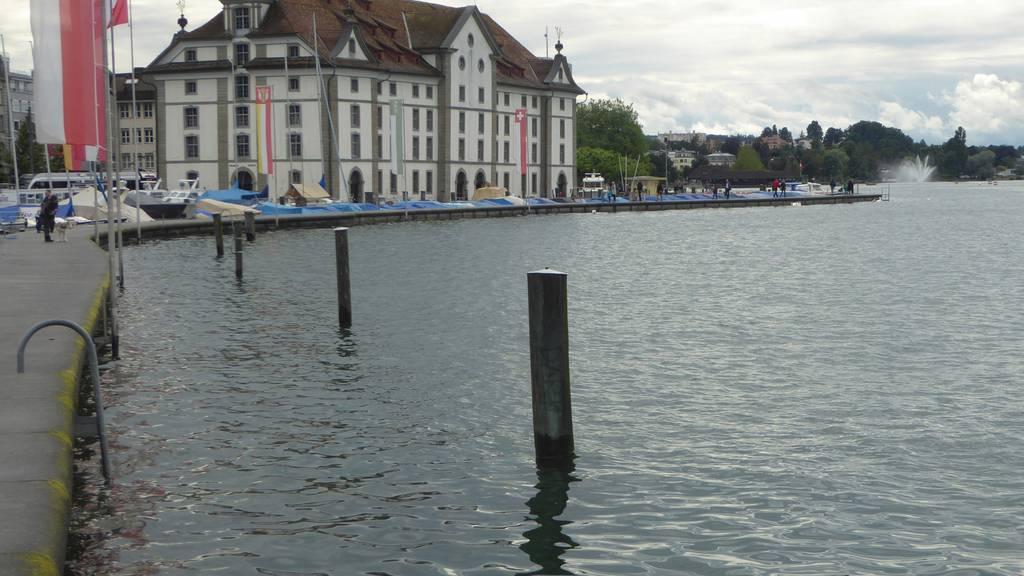 Beim Kornhaus Rorschach wurde eine Leiche aus dem Bodensee geborgen. (Archivbild)