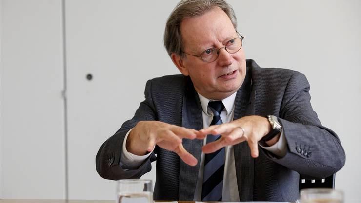 Kuno Tschumi hat mit seinem Stichentscheid im Gemeinderat Derendingen entscheidend dazu beigetragen, dass seine Gemeinde demnächst voraussichtlich ganz vom Fusionszug Solothurn Top5 abspringen wird. (Archiv)
