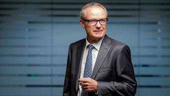 Martin Haefner (65) in seinem Büro in Cham.