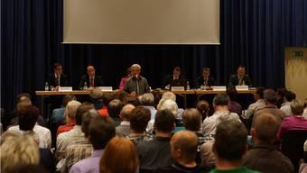 Die Gemeindeversammlung diskutierte lange über den geplanten Feuerwehr-Neubau. kob