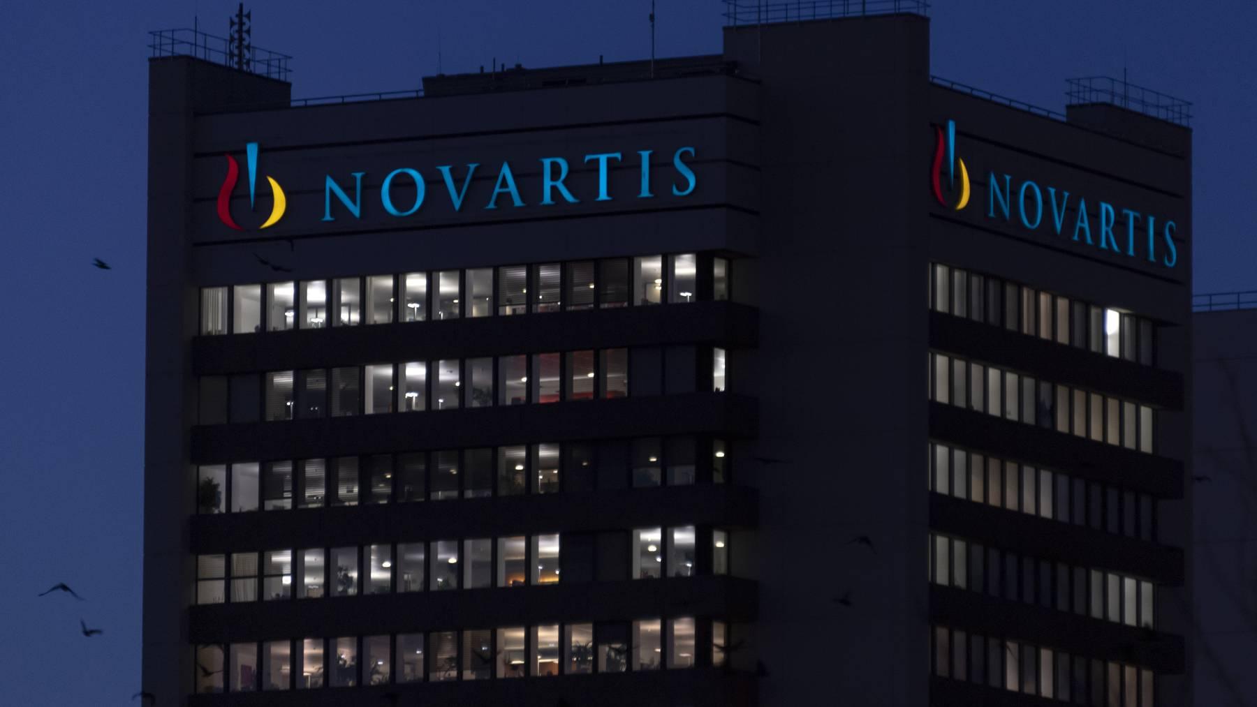 Der Novartis-Campus in Basel bei Nacht.