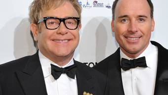 Die glücklichen Eltern Elton John (links) und David Furnish (Archiv)