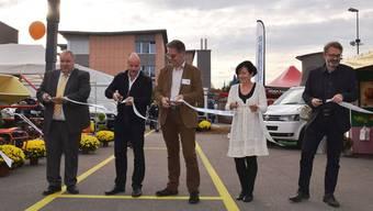 Sie eröffnen die erste Eigeschau (v. l.): Richard Plüss, Gemeindeammann Lupfig; Markus Büttikofer, Gemeindeammann Birr; OK-Präsident Thomas Burkard; Ursi Berger, Gemeindeammann Birrhard, und Roland Bodenmann, amtsjüngster Gemeinderat aus Scherz.