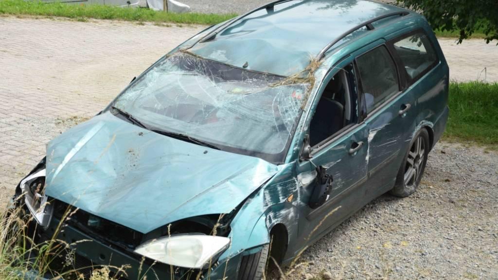 Das Auto des 83-Jährigen wurde beim Überschlag schwer beschädigt.
