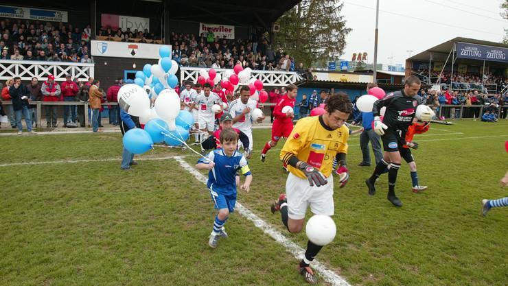 Das Abschiedsspiel 2004 von der Paul-Walser-Stiftung zwischen dem FC Wohlen und Sion (2:2).