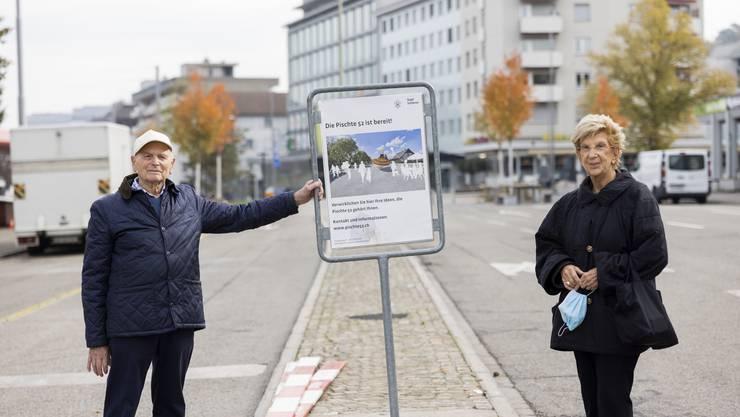 Anwohner Walter Sommerhalder und Ursula Bähr stören sich am Lärm auf der stillgelegten Badenerstrasse.