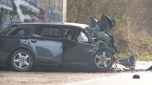 Wohlenschwil AG: Mann stirbt bei Kollision mit Brückenpfeiler