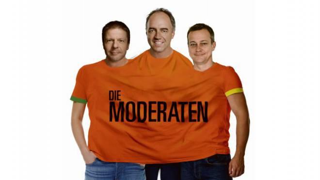 Vision einer neuen Partei «Die Moderaten»: Unser Grafiker hat die drei Mitte-Chefs Martin Bäumle (GLP), Christophe Darbellay (CVP) und Martin Landolt (BDP) schon mal in ein gemeinsames T-Shirt gesteckt. Foto: Montage: Tancredi