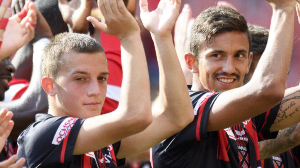 Die Spieler von Neuchâtel Xamax jubeln bereits zum vierten Mal nach vier Spielen