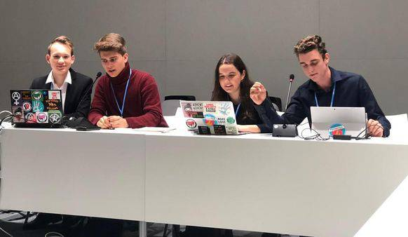 Die Schweizer Delegation der Klimastreiker in Madrid.