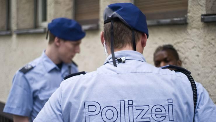 Die Stadtpolizei nennt die Herkunft mutmasslicher Täter in ihren Medienmitteilungen nicht mehr – das kritisieren die kantonale SVP und ihre Jungpartei.