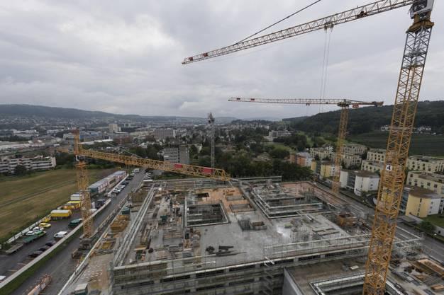 Die Aussicht vom Spital-Hochhaus muss man noch geniessen. Voraussichtlich 2019 wird es rückgebaut