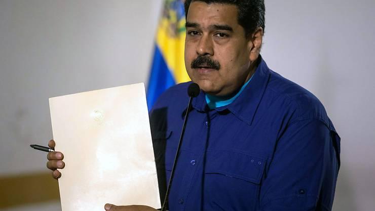 Der Präsident Venezuelas, Nicolás Maduro, will sich in einer übereilten Wahl am 22. April in das Präsidentenamt wiederwählen lassen.