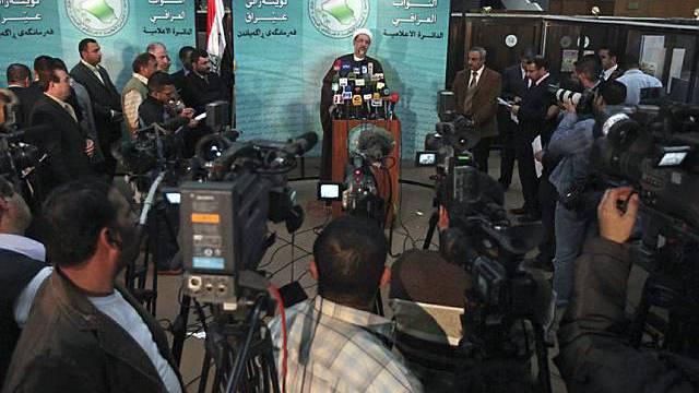 Vize-Parlamentspräsident Khalid el Atiya vor der Presse