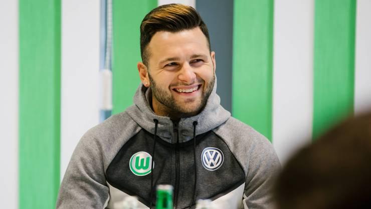 Beim FCB noch Stammspieler, kommt Renato Steffen in Wolfsburg erst auf elf Einsätze, nur drei davon von Beginn. Sein Lachen hat er aber nicht verloren. Die Bundesliga ist für ihn ein wahrgewordener Traum.