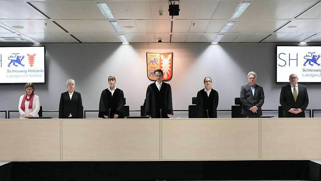 Nach Flucht von Ex-KZ-Sekretärin in Deutschland – Prozess verzögert