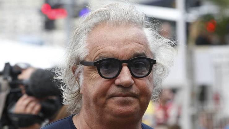 Ex-Rennstall-Besitzer Flavio Briatore soll wegen Steuerbetrugs 18 Monate in Haft. Er hatte angegeben, seine Luxusyacht gehöre ihm nicht, er habe sie nur gemietet. Der Vermieter: Ein Unternehmen, das ihm selber gehört. (Archivbild)