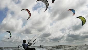 Kitesurfen soll im Aargau verboten bleiben