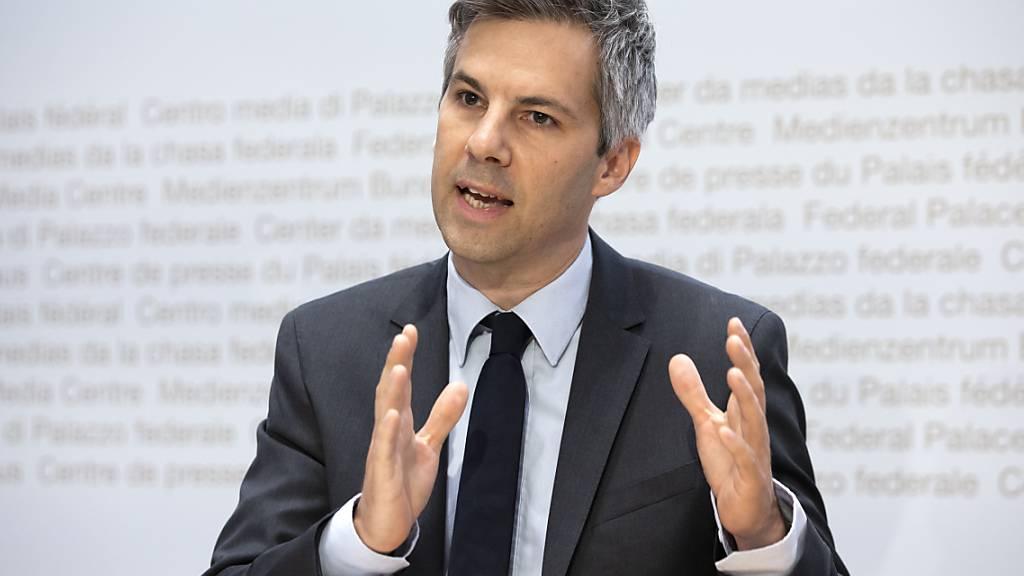 Der Epidemiologe Marcel Salathé hat die wissenschaftliche Covid-19-Taskforce des Bundes verlassen. Er gründet eine neue Organisation, die die wissenschaftliche und technologische Kompetenz in Politik und Behörden fördern soll. (Archivbild)