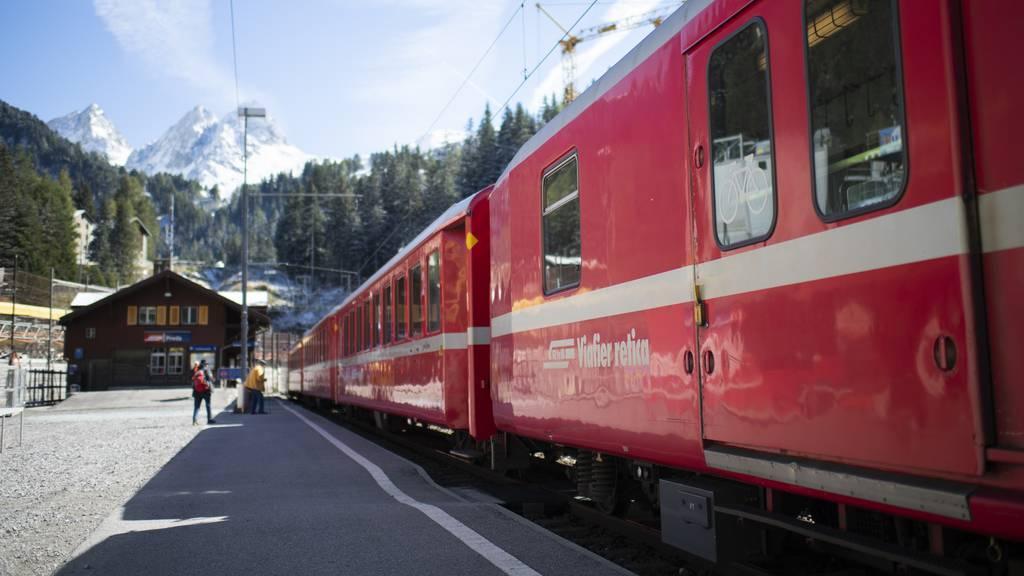 RhB-Zug entgleiste wegen rutschendem Berghang