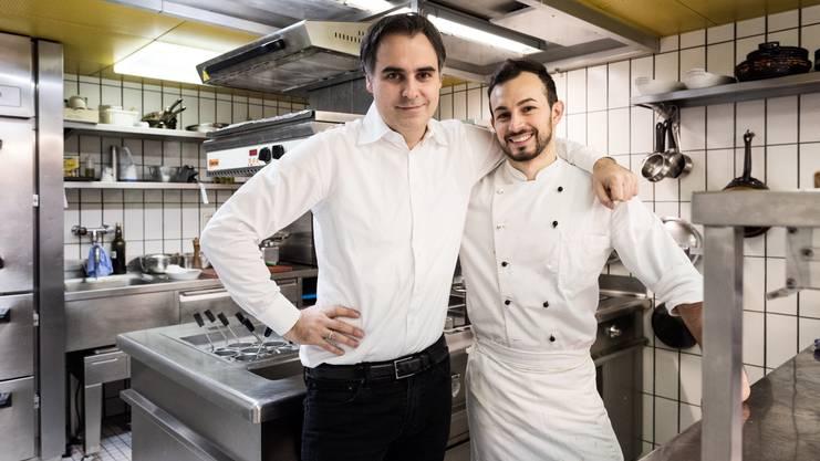 Gastgeber aus Leidenschaft und Koch aus Apulien: Stefano Giovannini (links) und Küchenchef Franco Mastrullo im Restaurant Apulia.