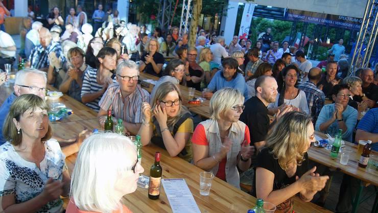 Tolle Stimmung am Rockkonzert auf dem Geroldswiler Dorfplatz