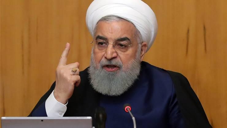 Am Jahrestag des Ausstiegs der USA aus dem Atomabkommen stellt der iranische Präsident Hassan Rohani die Zukunft der Vereinbarung infrage.Keystone