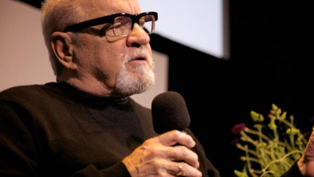 """Paul Schrader war der Stargast des 8. Bildrausch-Filmfestivals, das am Sonntag mit der Preisverleihung zu Ende gegangen ist. Der Autor von Filmklassikern wie """"Taxidriver"""" und """"American Gigolo"""" durfte den erstmals vergebenen Ehrenpreis für visionäres Filmschaffen entgegennehmen. (zVg)"""