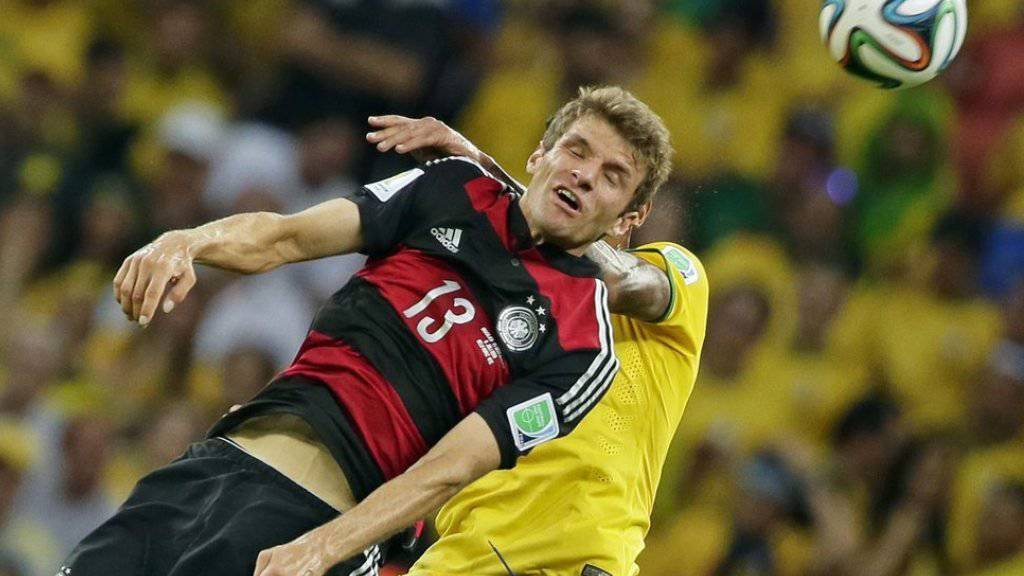 Thomas Müller will seinen Kopf nach der Fussballkarriere zum Studieren einsetzen statt für Kopfballtore (Archiv)