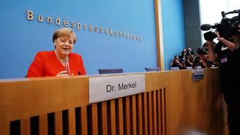 Die deutsche Kanzlerin Angela Merkel stellt sich in der Bundespressekonferenz Journalistenfragen zu aktuellen Themen der Innen- und Aussenpolitik.