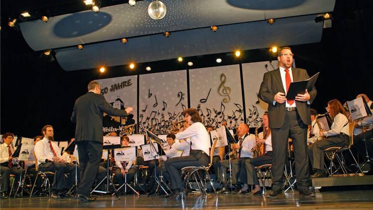 Spezieller Auftritt: Gastsolist Michael Hauenstein, von der Musikgesellschaft begleitet, erntete tosenden Applaus.