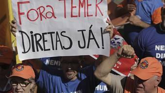 """""""Verschwinde Temer - sofort!"""" - Die Aufforderung der Strasse an den brasilianischen Präsidenten könnte nicht unmissverständlicher sein bei der Demonstration in der Hauptstadt."""