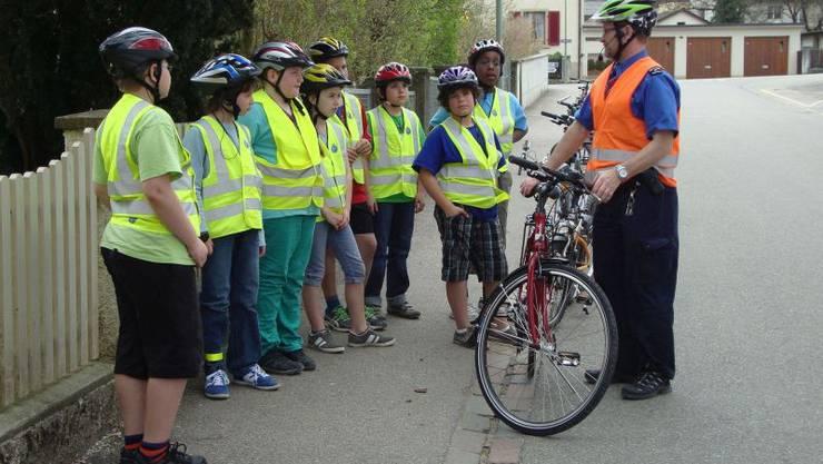 Ab dem kommenden Dienstag werden die Baselbieter Viertklässler von der Polizei über sicheres Velofahren aufgeklärt.